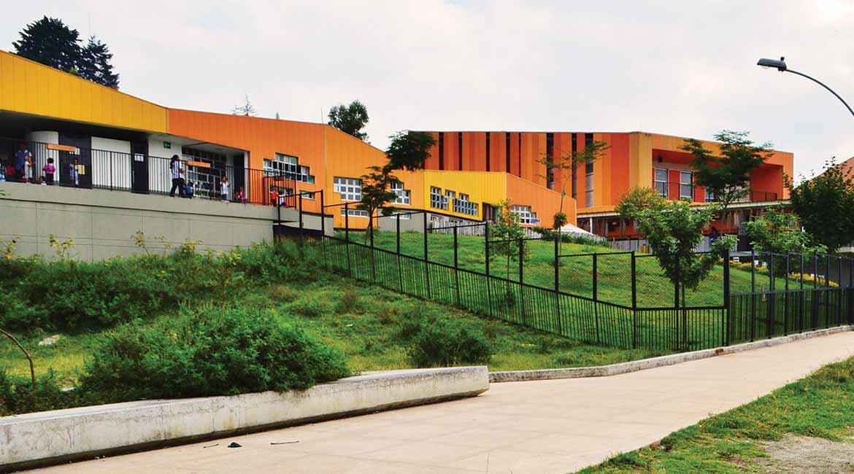Jardin infantil aures c lculo construcciones for Cascanueces jardin infantil medellin